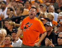 mlb_orioles_fan