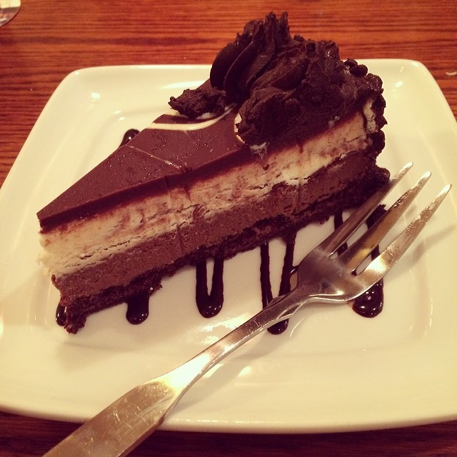 image black tie mousse cake at olive garden is every girls valentines day