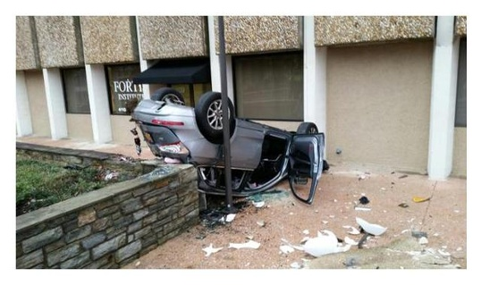 Car-falls-from-Towson-garage-jpg