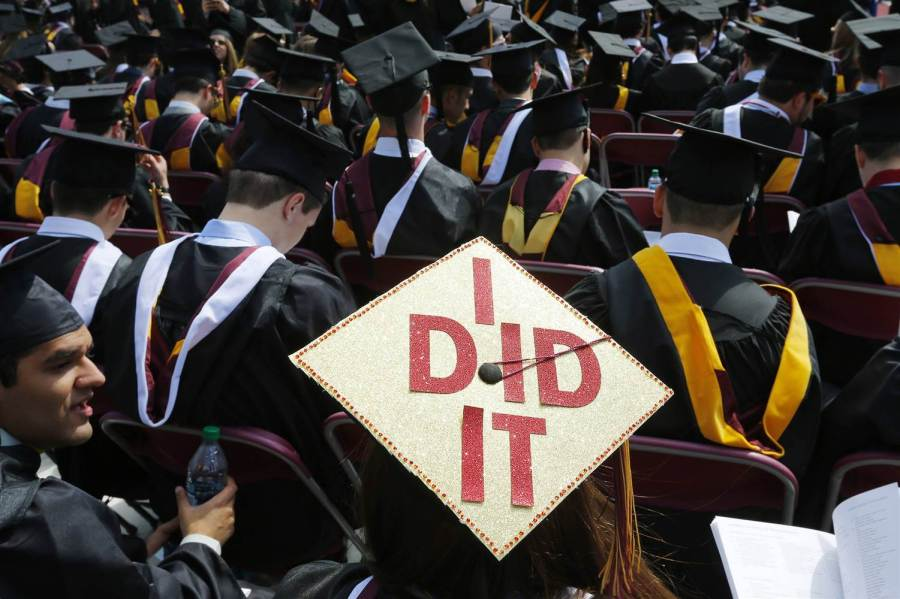151109-college-graduation-jsw-435p_ee62b02e07c8d29c89f11e277f506a8e.nbcnews-ux-2880-1000.jpg